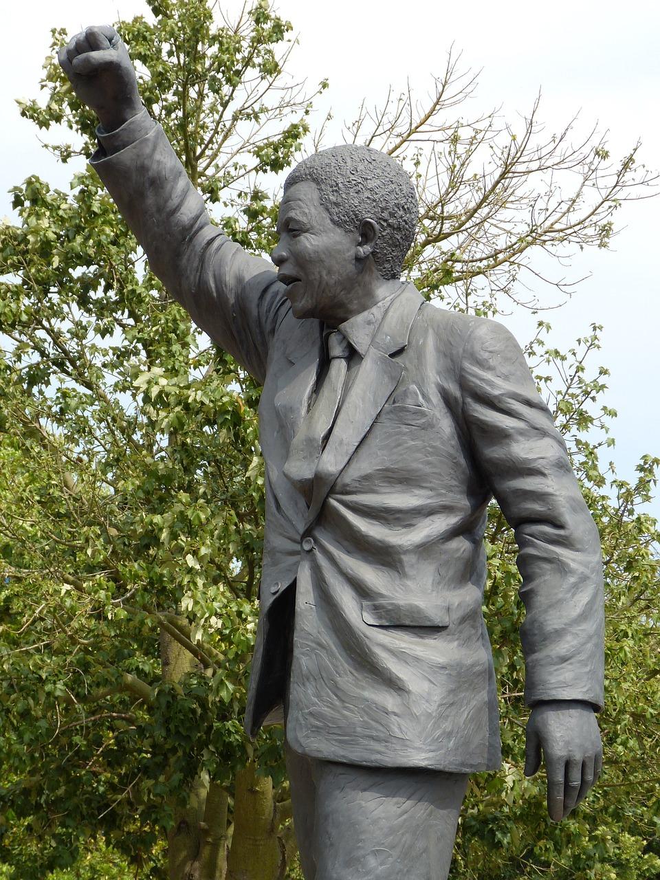 Nelson Mandela: Un homme politique qui a marqué le monde entier.
